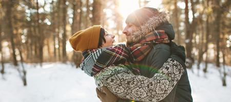 Winterzeit bedeutet meistens auch Erkältungszeit. Nicht viele schaffen es, gesund durch den Winter zu kommen. Kein Wunder, wenn rundherum alle schniefen oder husten und Wind, Regen und Kälte ihr Übriges tun. Jetzt kommt es auf Ihre Abwehrkräfte an. Mit ein paar einfachen Tipps können Sie es trotzdem gesund durch den Winter schaffen.