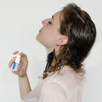 Anwendung hysan® Nasenspray Schritt 03